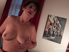 Naked Bitchy Mature Masturbating Her Hairy Pussy