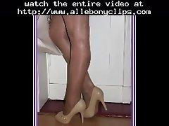 Nasty Panthose Flashing Black Ebony Cumshots Ebony Swal