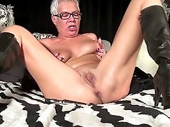 Squirting Old Mature Mom Masturbating With A Toy