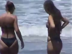 Spying Mom And Amp Not Daughter Bikini Round Ass Beach Voyeur