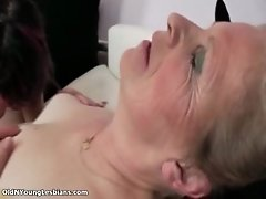 Mature Lesbian Gets Horny Getting Her Pussy Licked By O