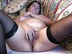 Wife Orgasm While Rubbing Her Pussy