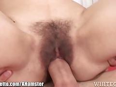 Amateur MILF Gets Jizzed On Hairy Pussy