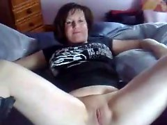 Fingering This Horny Fat BBW Mature Gf She Love To Squirt