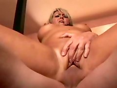 Rod Sucks Her Feet And Comes In Her