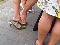Gold Candid Legs 3 Mature Legs