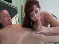 Mature MILF Sexy Vanessa Loves Cum On Her Face