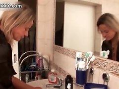Dirty Mature Slut Goes Crazy Shaving Her Cunt By Austri
