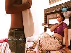 Mallu Aunty Kissing And Boob Press