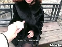 Tricky Agent Filming Horny First Timers