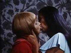 Lesbian Seductions F70