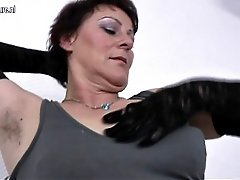 Hairy Mature Mom Shakes Her Old Cunt