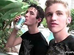 Young Twinkie Devon Pryce Fucks Gay Buddy Jamie Gold Up