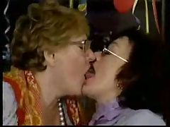Lesbian Grannies R20