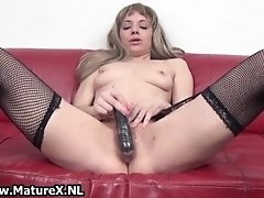 Dirty Mature Wife Loves To Stick A Dildo In Her Experie