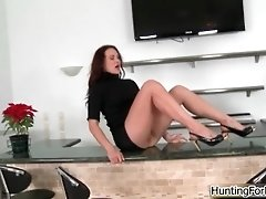 Sexy Brunette MILF Gets Horny Getting Her Pussy Licked