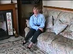 Home Video British Couple Fucks In The Carpet